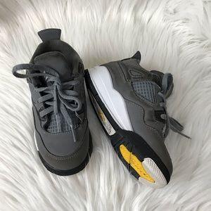 Jordan 4 retro gray chrome sneakers size 9c